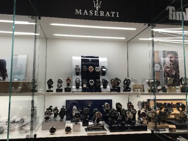 Maserati watch Corner in Lugano Switzerland<br /> montres Maserati chez Oro Vivo en Suisse<br /> Maserati Uhren in Oro Vivo Schweiz